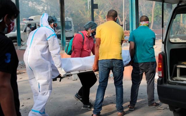 La India sobrepasa las 400 mil muertes por el coronavirus - Crisis por COVID-19 en India. Foto de EFE