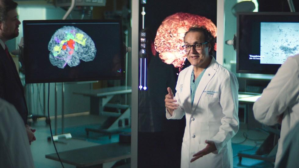 'Doctor Q.', el neurocirujano mexicano que inspira la nueva película de Brad Pitt - Doctor Q., neurocirujano mexicano. Foto de EFE