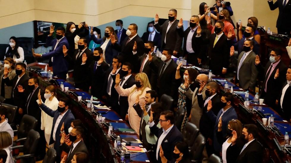 Legisladores oficialistas de El Salvador pide destituir a magistrados - El Salvador Asamblea Legislativa