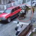 #Video Joven frustra robo en Colombia con 'patada voladora' a delincuentes