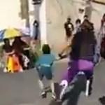 #Video Luchador arroja al piso a niño en CDMX; FGJ lo investiga por lesiones dolosas