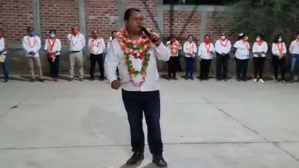 #Video Interrumpen con disparos mitin de candidato en Cocula, Guerrero - Mitin de candidato por MC en Guerrero, interrumpido por disparos. Captura de pantalla