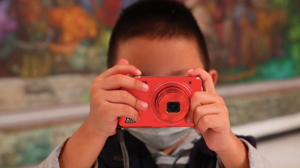 Niños retratan cómo es vivir en el barrio bravo de Tepito - Niños retratan cómo es vivir en el barrio bravo de Tepito. Foto de EFE