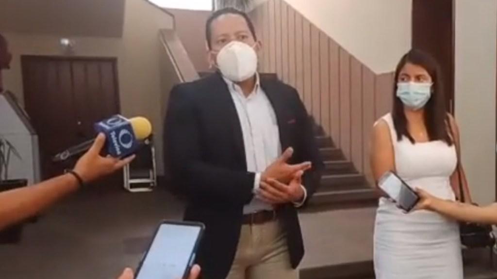 Mujer embarazada pierde bebé en SLP tras presunta agresión de policía - Pareja San Luis Potosí embarazada bebé