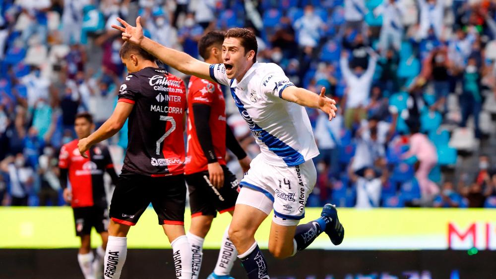 Autogol le da al Puebla su pase a semifinales del Guardianes 2021 - Santiago Ormeño Puebla