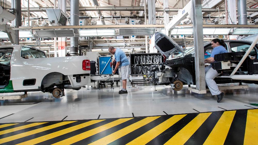 Escasez de chips costará al sector automotriz 110 mil mdd - chips sector automotriz automovil