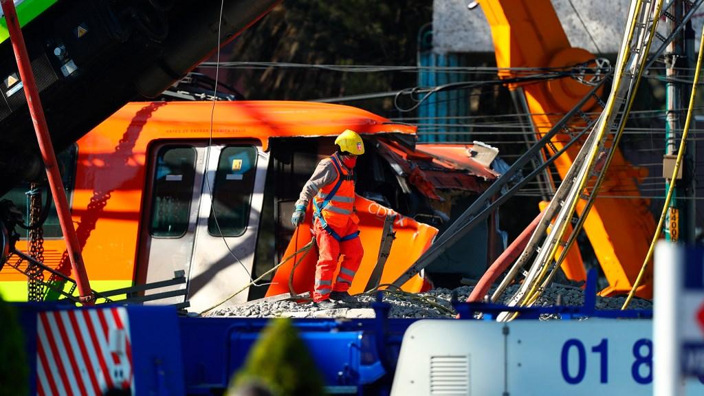 Lista de heridos por colapso en Línea 12 del Metro - Servicios de emergencia en zona de colapso de Línea 12 del Metro. Foto de EFE