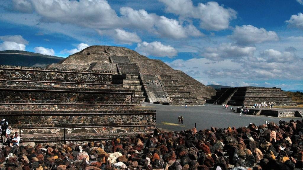 Aseguran terreno en Teotihuacán por obras no autorizadas - Decomisan terreno en Teotihuacán por obras no autorizadas. Foto de EFE