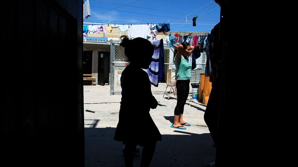 Publican Protocolo Nacional para la Búsqueda de Menores - Albergue para migrantes en Ciudad Juárez, Chihuahua. Foto de EFE