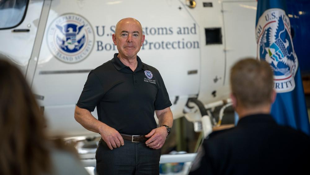 Mayorkas visitará México para estudiar reapertura de frontera - Alejandro Mayorkas DHS