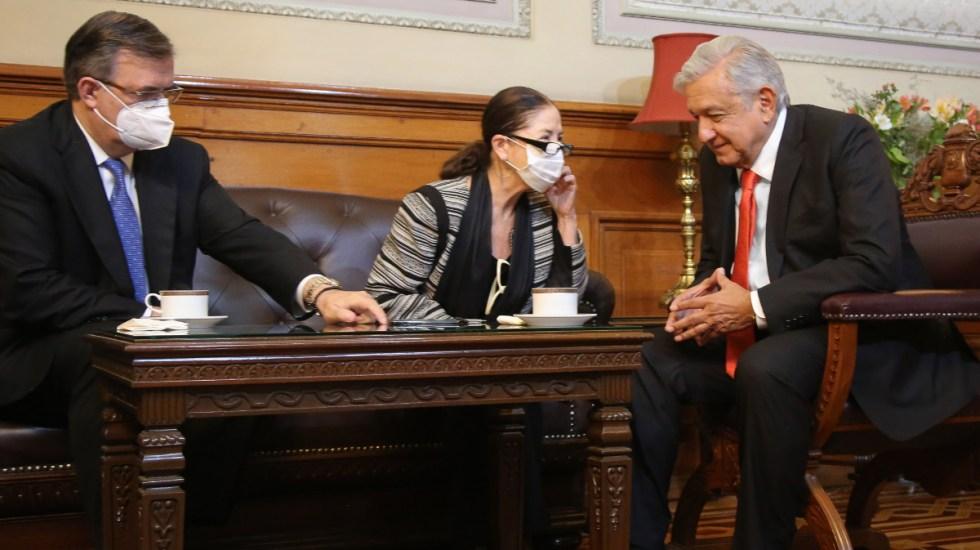 AMLO conversa con Kamala Harris; EE.UU. enviará 1 millón de vacunas de Johnson & Johnson - AMLO Kamala Harris llamada teléfono