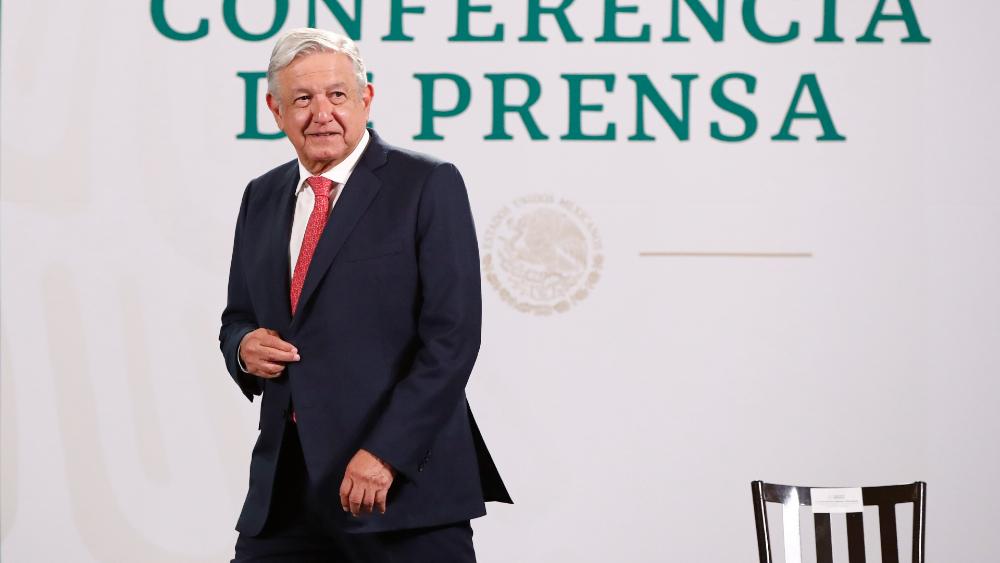 AMLO busca una clase media sin la mentalidad egoísta y con humanismo - AMLO Lopez Obrador clase media conferencia