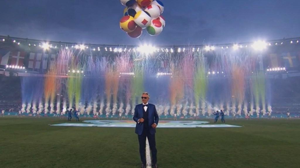 #Video Andrea Bocelli emociona al Olímpico con el 'Nessun Dorma' para abrir la Eurocopa - #Video Andrea Bocelli emociona al Olímpico con el 'Nessun Dorma' para abrir la Eurocopa. Foto de Twitter @AndreaBocelli