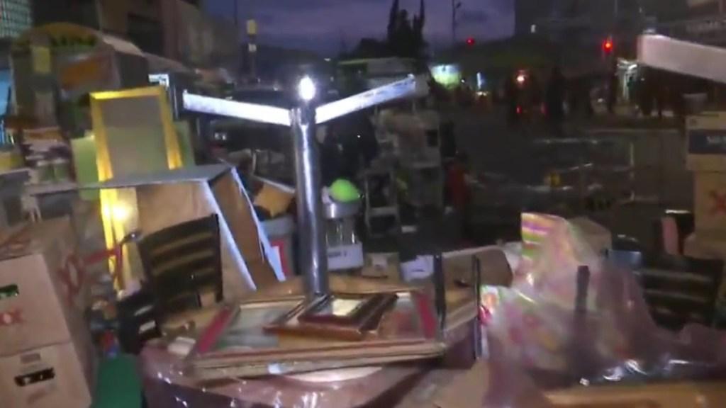 Desalojan a más de 50 familias de edificio en La Merced - Desalojo de familias en zona de La Merced. Captura de pantalla / Foro Tv