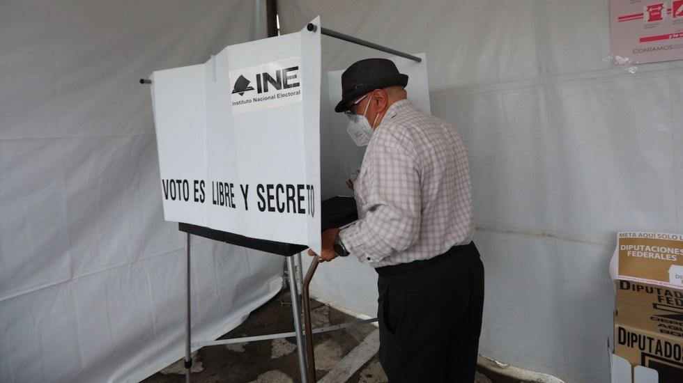 Tribunal Electoral ratifica validez de elecciones en Michoacán y Nuevo León - Casilla de votación. Foto de EFE