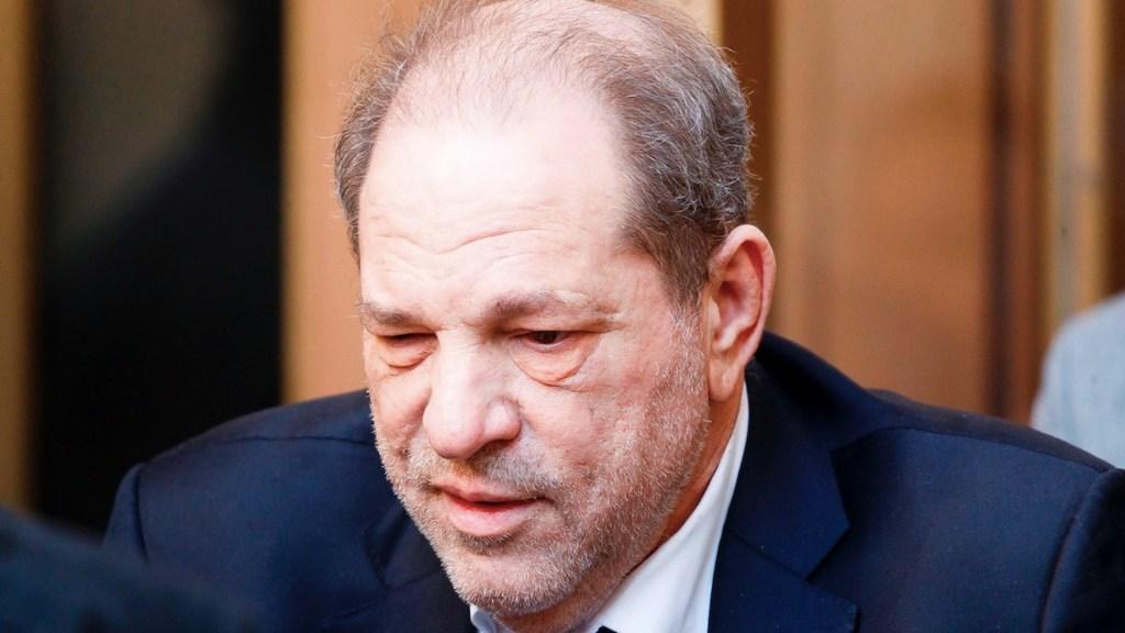 Weinstein será trasladado a California para enfrentar más cargos - Weinstein será trasladado en julio a California para enfrentar más cargos. Foto de EFE