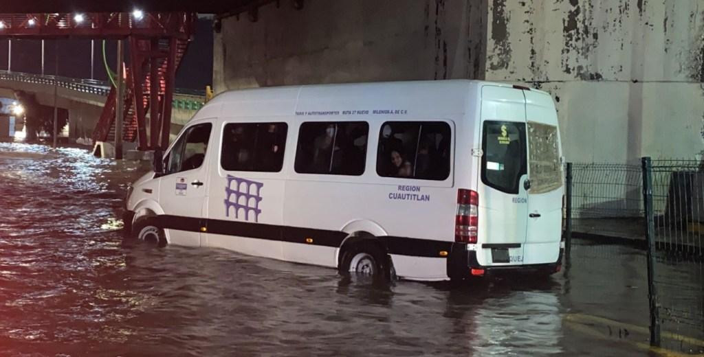 #Video Fuertes lluvias provocan inundaciones en Atizapán, Ecatepec y Tlalnepantla - Inundaciones Tlalnepantla Edomex Protección Civil 3