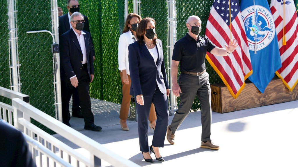 """Kamala Harris promete un sistema migratorio """"más humano"""" en EE.UU. - Kamala Harris Estados Unidos 2"""