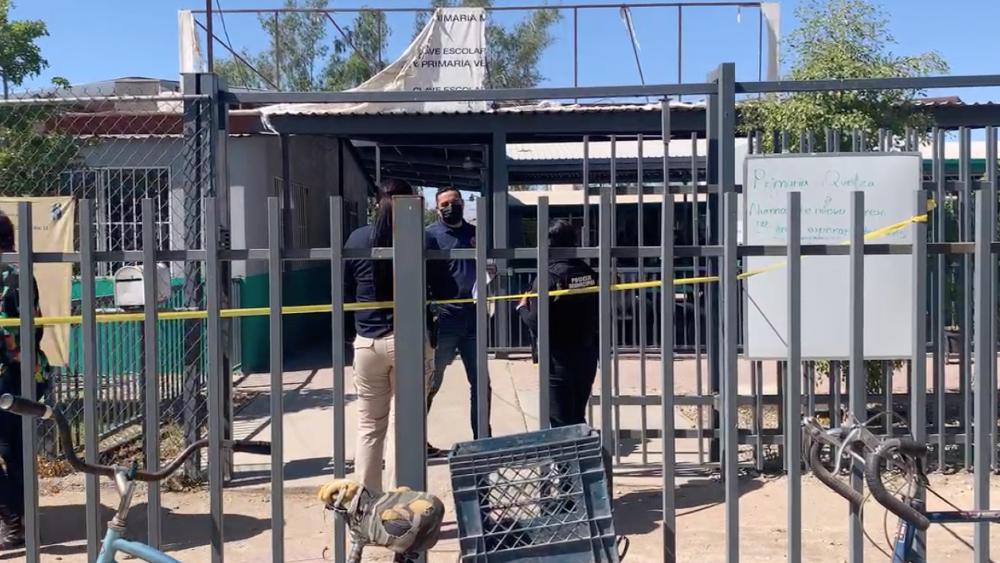 Sujetos roban material electoral de escuela en Mexicali, Baja California - Mexicali primaria robo casilla Baja California