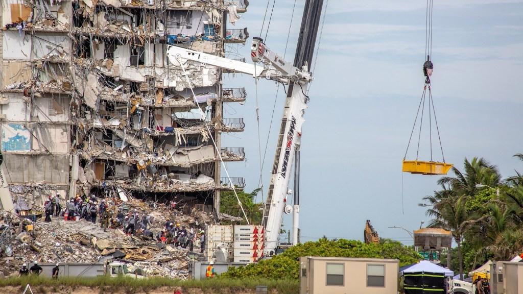 Gobierno pagará gastos por derrumbe de edificio en Miami: Biden - Miami derrumbe edificio departamentos muertos