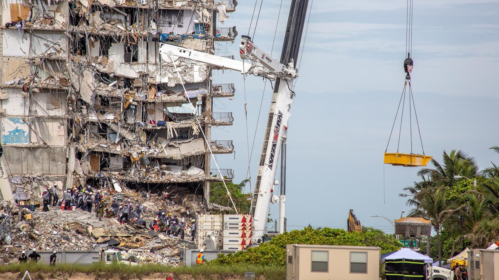 Miami derrumbe edificio departamentos muertos