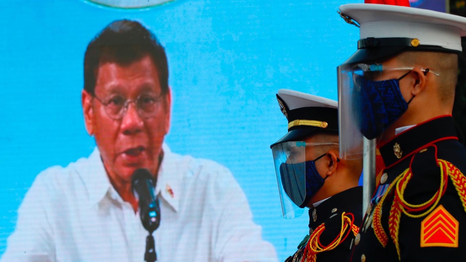 Rodrigo Duterte amenaza con cárcel a quien rechace vacuna contra COVID-19