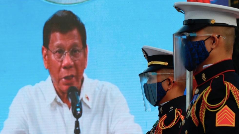 """Rodrigo Duterte amenaza con encarcelar e """"inyectar en el trasero"""" a quienes rechacen vacunarse contra COVID-19 - Rodrigo Duterte amenaza con detener a quien rechace vacuna contra COVID-19. Foto de EFE"""