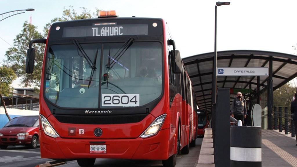 Metrobús inicia servicio emergente de Tláhuac a Metro Coyuya - Servicio emergente del Metrobús de Tláhuac a Metro Coyuya. Foto de @LaSEMOVI