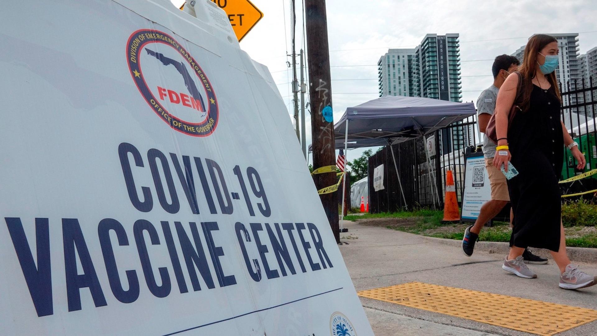 Estados Unidos acumula 599.961 muertos y 33.472.371 contagios por covid-19. Foto de EFE