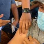 Realizan vacunación en Mexicali de madrugada por altas temperaturas