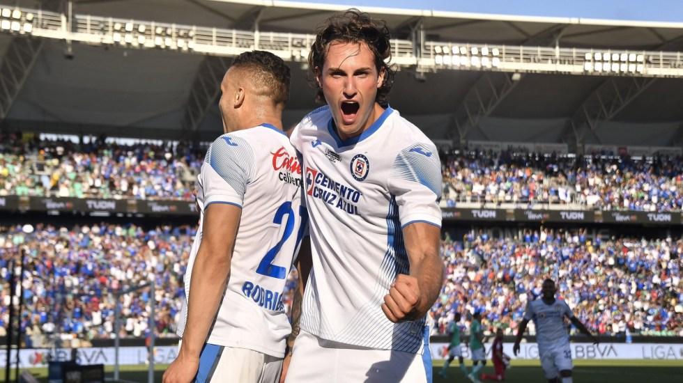 Cruz Azul derrota a León y es el campeón de campeones - Cruz Azul Campeón de Cammpeones León partido