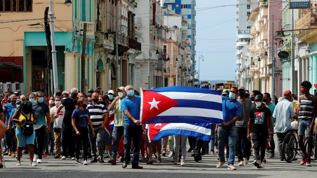 Nicolás Maduro muestra su apoyo a Díaz-Canel por protestas en Cuba. Foto de EFE/Ernesto Mastrascusa