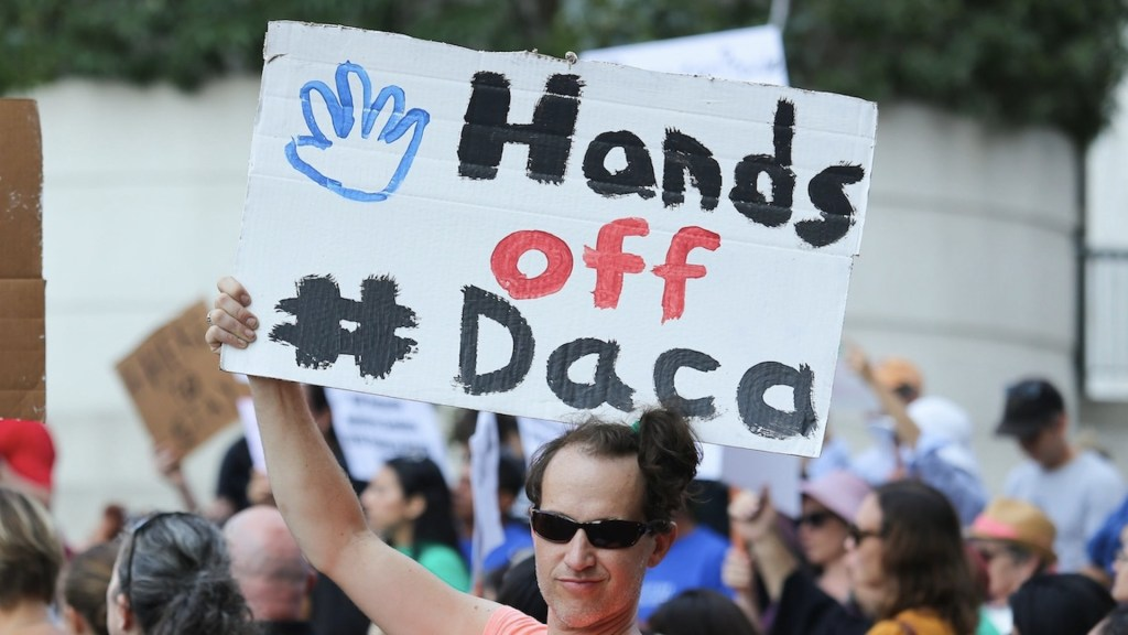 Piden al Congreso de EE.UU. amparar a dreamers tras fallo sobre DACA - Piden al Congreso de EE.UU. amparar a dreamers tras fallo sobre DACA. Foto de EFE