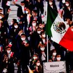 Atletas mexicanos desfilan en ceremonia inaugural de Juegos Olímpicos