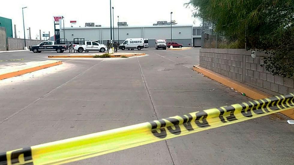 Suman 99 mil 89 homicidios dolosos en lo que va del sexenio - Escena del crimen acordonada en Guaymas, Sonora, por asesinato de periodista. Foto de EFE