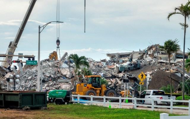 Se complica la búsqueda de víctimas del derrumbe ante llegada de Elsa - Florida derrumbe edificio Miami
