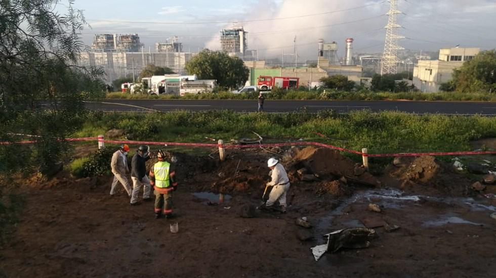 Cierran la autopista México-Pirámides por fuga de gasolina - Fuga de gasolina sobre la autopista México-Pirámides. Foto de @samgm24