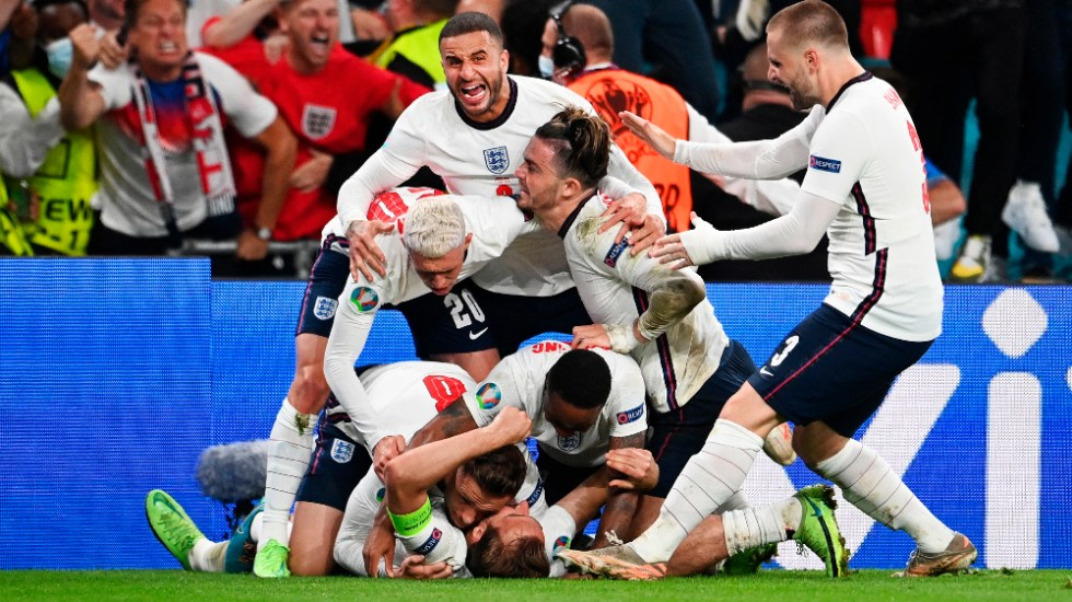 Isabel II envía buena suerte a Inglaterra para la final de la Euro - Inglaterra