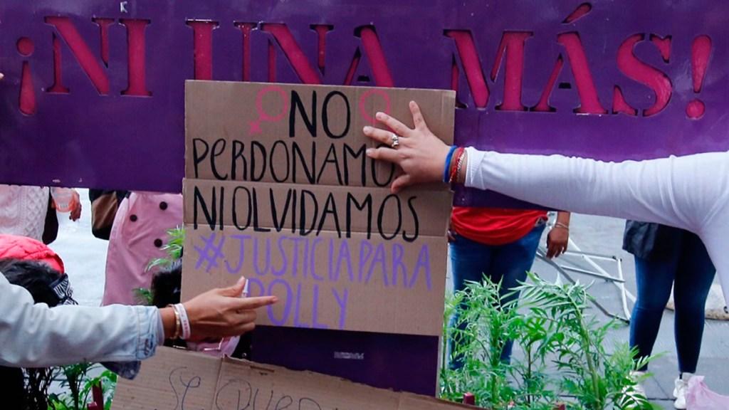 Dan último adiós a 'Polly', joven atropellada en Iztacalco - Manifestación en exigencia de justicia para 'Polly'. Foto de EFE