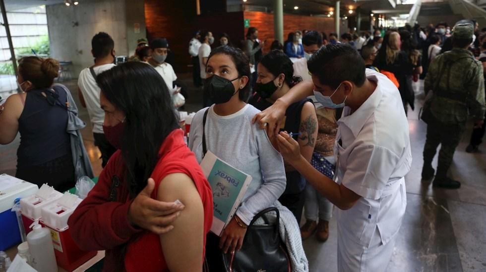 México reconoce tercera ola de COVID-19, pero minimiza efectos con vacunas - México vacunación COVID-19 coronavirus pandemia epidemia