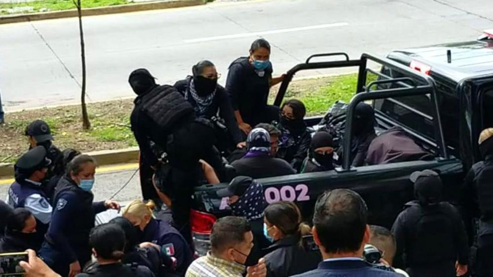 Amnistía Internacional pide a Gobierno de Jalisco no criminalizar a mujeres - Mujeres protesta Guadalajara Jalisco
