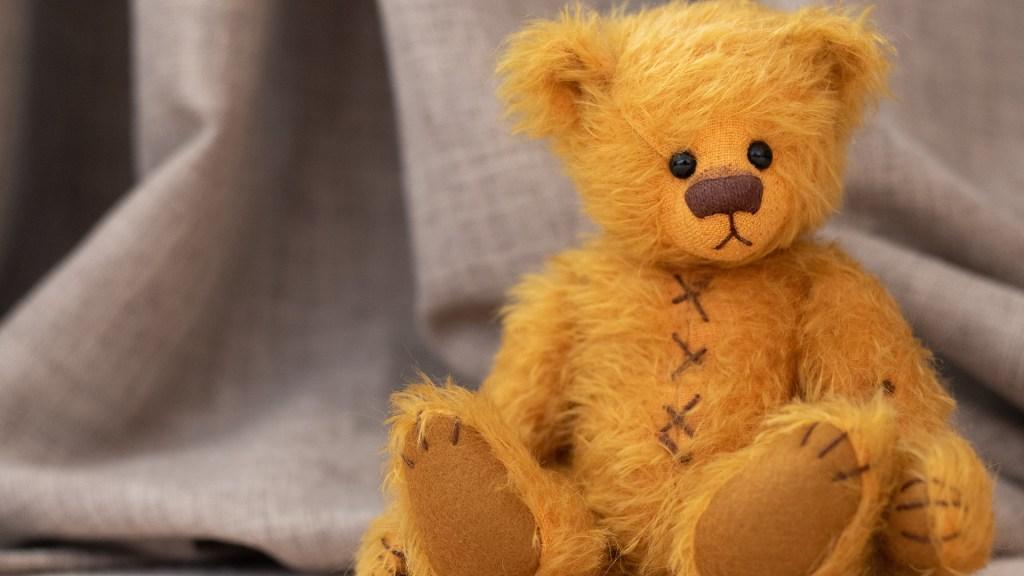 Destapan décadas de abusos sexuales en casas hogar para menores en Londres - Oso de peluche. Foto de Ken Needham / Unsplash