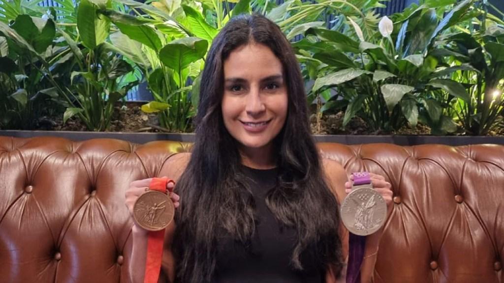 'Hoy Era mi turno en Tokio 2020, no hubo medalla para México': las declaraciones de Paola Espinosa - Paola Espinosa con medallas olímpicas. Foto de @PaolaEspinosaOficial