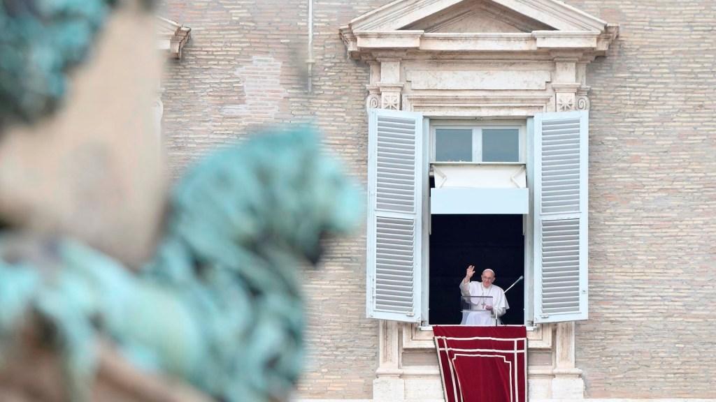 Papa Francisco desea que los Juegos de Tokio sean una señal de fraternidad universal - Papa Francisco durante rezo del Ángelus desde el Vaticano. Foto de EFE