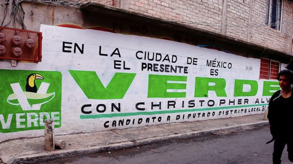 Aprueban multa y retiro de spots al Partido Verde por usar a influencers - Ciudadanos piden al INE retirar registro a Partido Verde. Foto de EFE