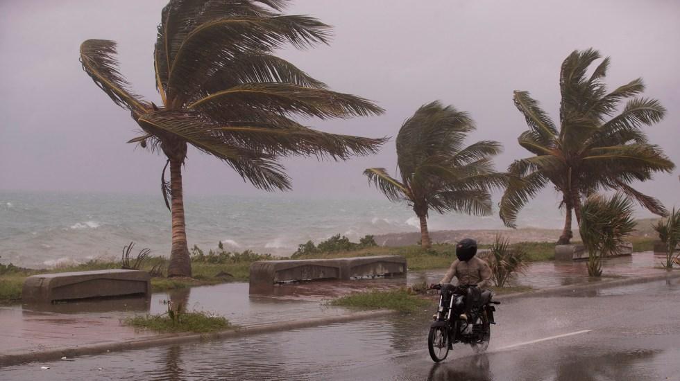 Urge Joe Biden a vacunarse antes de que lleguen los huracanes - Huracanes Estados Unidos Joe Biden