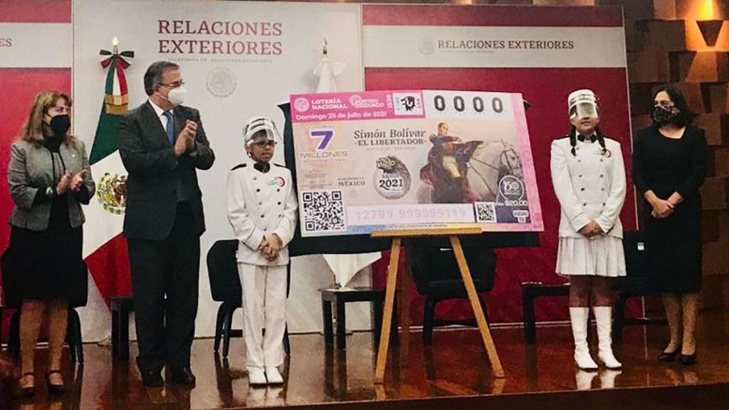 México recibirá a 33 representantes de la Celac para conmemorar a Bolívar - Presentación de billete de lotería en homenaje a Simón Bolívar. Foto de @maximilianoreyz