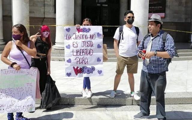 Fracasa marcha de apoyo a YosStop; llegaron cinco personas - Primeros asistentes a marcha en apoyo a YosStop. Foto de @stoppersmid