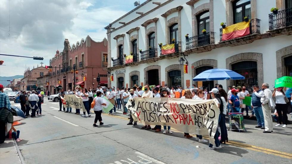 Marchan en Michoacán por la paz en Aguililla - Protesta en el Congreso de Michoacán por la situación en Aguililla. Foto de @cb_television