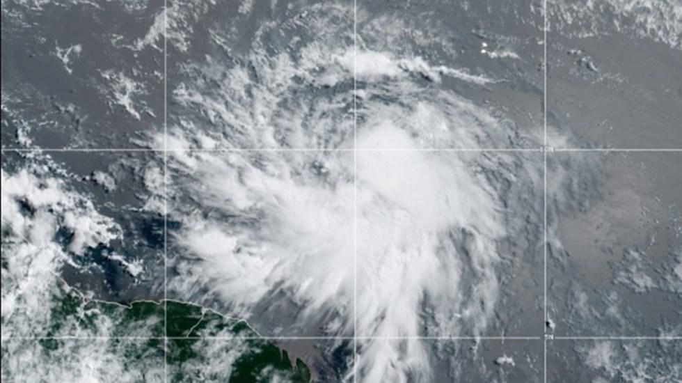 Se forma la tormenta tropical Elsa en el Atlántico; no representa peligro para México - Tormenta tropical Elsa en el Atlántico. Foto de NOAA / GOES